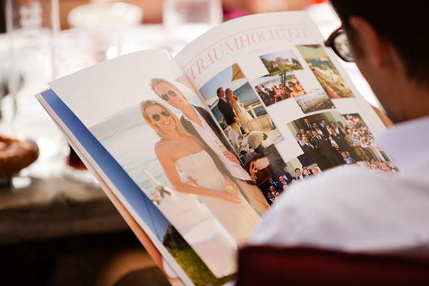 Hochzeitszeitungen sind beliebt bei den Gästen eine Hochzeit