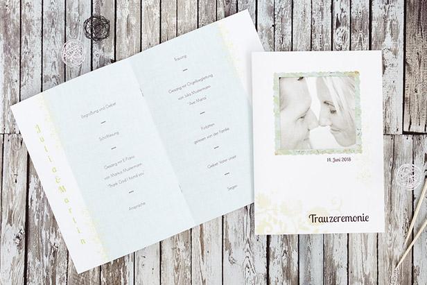 Kirchenhefte können auch ein Bild des Brautpaars enthalten und sind beliebt bei den Gästen eine Hochzeit